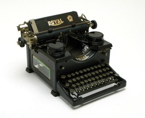 Royal-Typerwriter-Model-10-01z